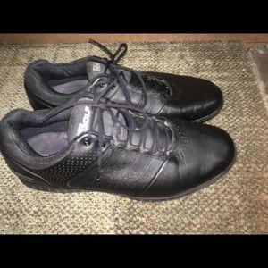 5c4b38eded31 Men s golf shoes